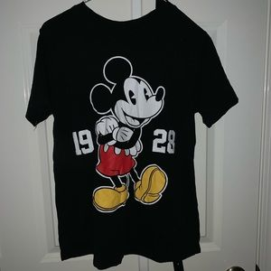 Black shirt w/ cartoon character